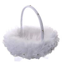 körbe blumen großhandel-White Ostrich Feather Flower Girl Basket Eleganter runder Seidenblumenkorb Hochzeitsbevorzugungen Hochzeitszubehör Neu