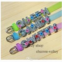 puede poner precio al por mayor-Precio al por mayor 26pcs 8mm color de la mezcla Fower Slide letras A ~ Z puede a través de 8 mm Wristband DIY joyería