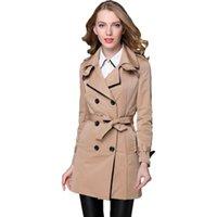 gabardina europea de las mujeres al por mayor-2018 Nueva marca de diseñador de moda Classic European Trench Coat caqui negro doble botonadura de las mujeres capa delgada del remiendo