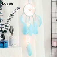 ingrosso fata leggera a letto-Dreamcatcher Fairy Light Handmade Feather Home Decor Night Light Wall Hanging Bedside Innovative Led Sting Decorazione natalizia