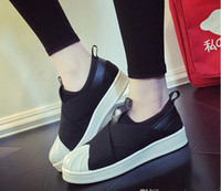 Wholesale pointed toe cross strap resale online - Good quality Summer SUPERSTAR SLIP ON Sandals Loafers For Men Women head crossed strap black and white low Tops unisex sneakers