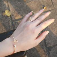 комплекты огненных топазовых огней оптовых-Европейские и американские украшения мода личность прекрасный ананас флэш бриллиантовое кольцо браслет