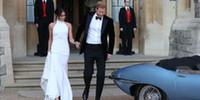 prensler beyaz elbise toptan satış-Şık Basit Beyaz 2019 Gelinlik Gelin Gowns Prens Harry Meghan Markle Gelinlikler Halter Boyun Saten Düğün Recept Elbise