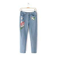 цветочные зимние брюки оптовых-Floral Embroidery Jeans Female Winter Zipper Straight Denim Pants Jeans Women Fashion Pocket Light Blue Trousers