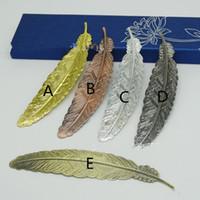 imleri işaretler toptan satış-Gerçek Görüntü Düğün Mini Metal Altın Şerit Tüy BookMarks 5 Stil Düğün Malzemeleri Kitap Işaretleri Düğün Konuk Hediyeler Destek Mix Pls Remard