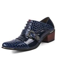 parlak gelinlik toptan satış-Sivri Burun Erkek Düğün Ayakkabı Gentsman 6 cm Yüksek Topuklu Parlak Deri Elbise Parti Ayakkabı Siyah Mavi 20D50
