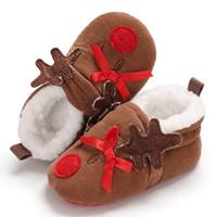 f22dd98a31dcb Nouveau coton nouveau-né nourrisson bébé garçons filles chaussures de Noël semelle  souple dessin animé mignon bottes anti-dérapant pour bébé usure de fête ...