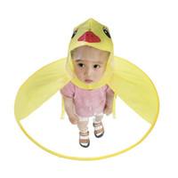 ingrosso anatra di pioggia-Bambini Raincoat Ombrello Cute Yellow Duck UFO Forma Rain Hat Cape Body Cover per bambini Creative Raincoat Cap S3