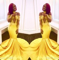ingrosso yellow dress shirt for girls-2018 Black Girls Giallo Off spalla Satin Mermaid abiti da ballo lunghi Sheer maniche lunghe pizzo Applique abiti da sera partito formale