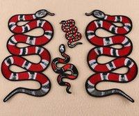 emblemas de animais venda por atacado-venda imperdível! Atacado Snag Tiger Flores Abelha Bordado Ferro Em Patches Animais Applique Crachá sew no remendo