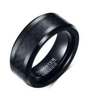 ingrosso anelli in fibra di carbonio di tungsteno-Anello da sposa con bordo smussato 8mm Comfort Fit Mens Anello da tiro con cinturino in carburo di tungsteno nero Con fibra di carbonio nera