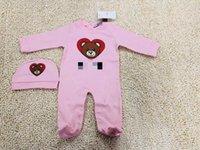 handtücher für baby mädchen großhandel-Emmababy neugeborener Baby-Mädchenrotwild-Karikatur Weihnachtsspielanzug bebe scherzt nette Kleidung der Baumwolle 100% + Rompersaliva Handtücher + Hat