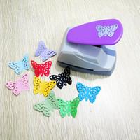 kelebek cihazı toptan satış-4 Stil Hollow kelebek Baskı Kağıt Yumruk diy kabartmalı cihaz kağıt kesici aracı DIY Kart Yapımı için Scrapbooking Etiketleri Zanaat
