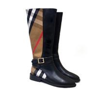 botas de muslo talla 35 al por mayor-Señoras botas de invierno 2018 nueva moda muslo botas altas hebilla de cinturón de las mujeres plana Martin botas Knight Boots para enviar la caja de zapatos tamaño 35-40
