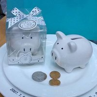 cajas de bautizo de bebe al por mayor-Mini alcancía de cerámica en caja de regalo con caja de monedas de arco de lunares para favores de la ducha de bebé Regalos de fiesta de bautizo favores