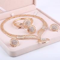 ensembles de perles bijoux achat en gros de-Dubai Gold Jewelry Sets Mariage Nigérian Perles africaines Cristal Bijoux De Mariée Set Strass Parure Bijoux Éthiopiens