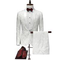 Nouveau Blazer Hommes 2018 Slim Fit Mens Floral Blazer Élégant Blanc Costume  De Mariage pour Hommes Stade Porter Hommes Costume Tuxedo Veste Avec  Pantalon 2 ... 2256d9f6c6c