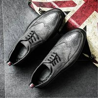 Wholesale bullock oxford shoes resale online - New Arrival Retro Bullock Design Men Classic Business Formal Shoes Pointed Toe leather shoes Men Oxford Dress dfv78