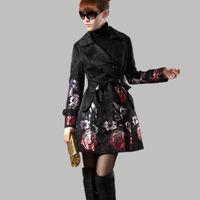 tranchée jacquard achat en gros de-2018 Nouveau Printemps Automne Femmes Floral Trench Long Survêtement Plus La Taille Rose Jacquard Trench Coat Mince Femelle C254