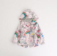 kuş baskısı toptan satış-Bebek kız rüzgar ceket kuş gökkuşağı baskılı çocuk Fermuar kızın rüzgarlık ceket çocuk sonbahar kapüşonlu giysiler Ceketler KKA5665