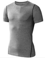spor spor giyim erkek toptan satış-Yeni Moda Erkekler Spor Formalar Kısa Kollu Tshirt Koşu Gym Eğitim Aşınma Bazlayer Spor Tee için Sıkıştırma T Shirt Erkekler Tops