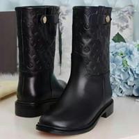 sapatos de joelho branco alto venda por atacado-Moda Botas Até o Joelho Botas de Salto Alto Adicionar Inverno Quente Botas de Equitação Das Mulheres Sapatos de Mulher Preto Branco marca senhoras de couro de alta botas caixa Original