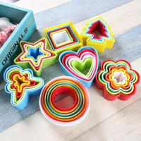 Wholesale cake decoration flower cutters online - 5PCS Set Plastic Cookie Biscuit Cutters People Heart Flower Shape Cake Cutters Mold Cookie Plum Moulds Baking Decoration Tool AMI