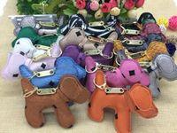 geschenke hunde großhandel-Neue Charme Keychain Mode Rucksack Kette Anhänger Kreative Unisex Pu Tier Hund rucksack Schlüsselanhänger Geschenk