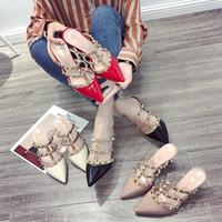ingrosso pattini coreani dei tacchi alti-2018 nuovi rivetti coreani sandali romani scarpe a tacco alto a punta fine e pulite
