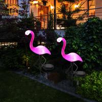 estacas de patio al aire libre al por mayor-Luz de juego solar LED Flamingo Light Lantern Lámpara de patio de césped al aire libre decorativa Energía solar Camino luces para jardín Patio