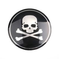 emblèmes auto crâne achat en gros de-4 pcs 56mm En Aluminium Noir Crâne Auto Centre De Roue De Voiture Centre Cap Caps Couverture emblème Autocollant Pour Universal Car BMW Nissan Audi Car styling