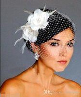 белая шляпа свадебное перо оптовых-Птичья клетка фата белые цветы перья Птичья клетка фата Свадебные свадебные прически для волос Свадебные аксессуары шапка фата