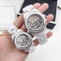 espelho marcas relógios venda por atacado-Luxo AAA Marca Lady Graffiti Assista Branco / Preto De Cerâmica Safira Espelho De Vidro de Alta Qualidade De Quartzo Moda Das Mulheres Assista Relógios