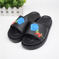 hakiki sandal erkekler toptan satış-Sıcak Moda Tasarım Çiçek nakış unisex Sandal Yaz Yüksek kalite Erkekler Hakiki Deri plaj flip flop terlik