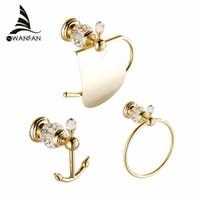 ganchos para toallas de latón al por mayor-Conjunto de hardware para baño Gancho de estilo europeo en la pared Soporte de papel de latón de lujo de cristal Baño de oro Toallero Ring HK00