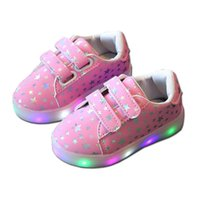 ingrosso scarpe incandescenti al neon-Scarpe da bambina luminose Bambina bambino Bambina da bambina LED Light Up Scarpe da ginnastica casual Light Up Neon Glow Shoes Shiny Stars Sneakers moda