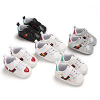 primeros zapatos infantiles al por mayor-Venta al por menor de primavera y otoño Sport Baby Shoes recién nacidos niños niñas First Walker Shoes Infant Prewalker Shoes 44C