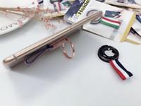 ingrosso tablet sticker-Nuovo supporto creativo per il cellulare tablet universali adesivi posteriori anello staffa autoadesivi trattenuti a mano aiutano la staffa pigra