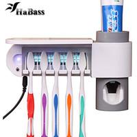 zahnbürstenwand großhandel-3-in-1 Zahnpastaspender Zahnbürstenhalter und Zahnbürste Sanitizer Sterilisator Set Wandhalterung Ständer Familie Tools