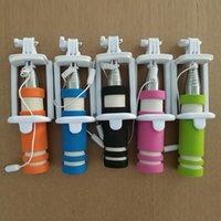 складные сотовые телефоны оптовых-Новый складной Супер Мини проводной Selfie Stick ручной выдвижная монопод проводная ручка затвора совместим с сотовым телефоном