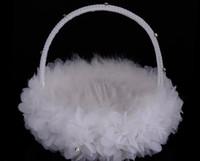 braut blumenkorb großhandel-Weißer Strauß-Feder-Blumen-Mädchen-Korb-eleganter runder Silk Blumen-Korb-Hochzeits-Bevorzugungen, die neues Zubehör Wedding sind