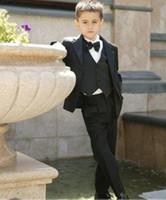 ingrosso piccola cravatta nera-Raffreddare Smoking Occasioni Formali di Black Boy Nuovi Economici Abiti Little Men Abiti da sposa per bambini Smoking Formal Suit (Jacket + Tie + pants + vest)