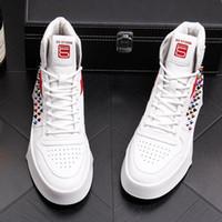 botas remache estilo punk al por mayor-Remaches de estilo británico Hombres Zapatos casuales 2018 Nuevos hombres Tops de moda Hip Hop Punk Boots diseños de fiesta y zapato de la boda J78