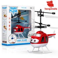 детские игрушки для мальчиков оптовых-Датчик самолета Baby Ball светодиодные летающие игрушки мяч новинка игрушки RC Drone левитировали интеллектуальный беспилотный вертолет для детей Дети Рождественский подарок