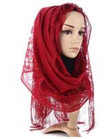 b3812aae8da5 Nouvelle Arrivée Wrap Châles Fringe Long Pashmina Femmes De Mode Châle  Voile Écharpe Mujer Bufanda Évider Dentelle Musulman Hijab Écharpe