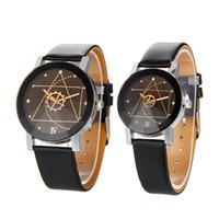 новые стильные наручные часы оптовых-New Relogio Couple Watches Student Couple Stylish Spire Glass Belt Quartz Watch Men's Watches Women's