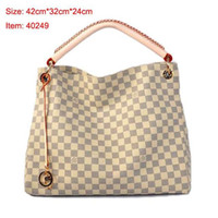 Wholesale patent genuine leather hand bag resale online - High quality fashion men and women personality hand letter stitching small square bag briefcase OL business work Messenger bag
