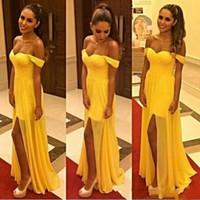basit sarı şifon nedime elbiseleri toptan satış-Basit Şifon Bölünmüş Sarı Uzun Gelinlik Modelleri 2018 Kapalı Omuz Hizmetçi Onur Elbise Akşam Parti Törenlerinde Örgün Uzun Balo Elbise