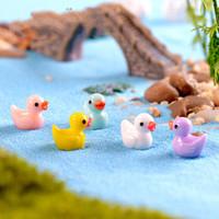 ingrosso casa fata in miniatura-Yellow Duck Fairy Garden Miniature Casa Ornamento Bambola Giocattolo Ciondolo Muschio Lichene Micro Paesaggio Resina naturale Arte Artigianato Regali 0 2cj bb