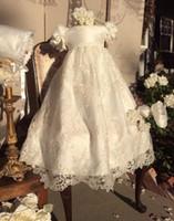 robes de baptême simples achat en gros de-Robes de baptême ivoire pour bébé fille appliques en dentelle robe de baptême avec manches courtes bouffantes